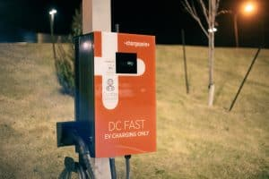 an example of a DC fast charging station, level 3