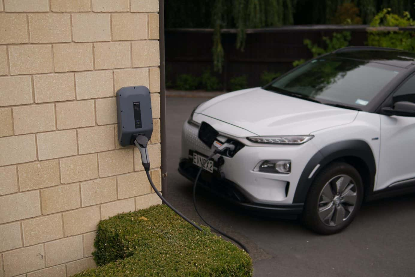 how much does an electric car charger cost to install