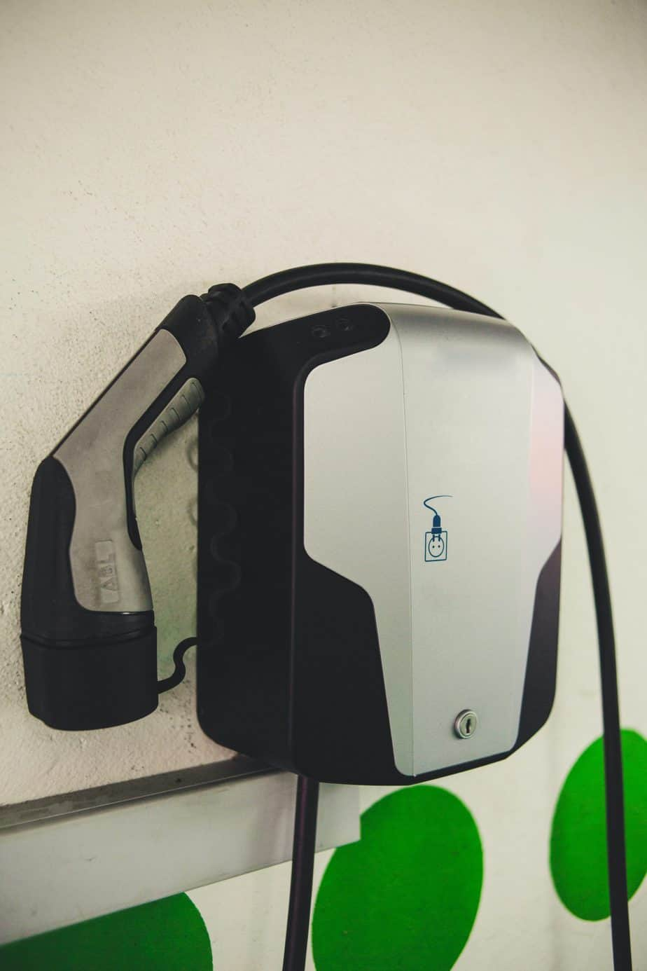 owning-an-electric-car-without-a-charger